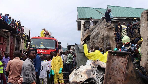 Demokratik Kongo'da yolcu uçağı evlerin üzerine düştü: - Sputnik Türkiye