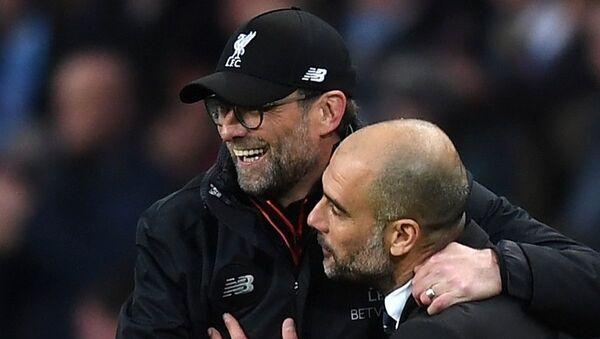 Manchester City - Liverpool maçı sonrası Pep Guardiola ile Jürgen Klopp (solda) - Sputnik Türkiye