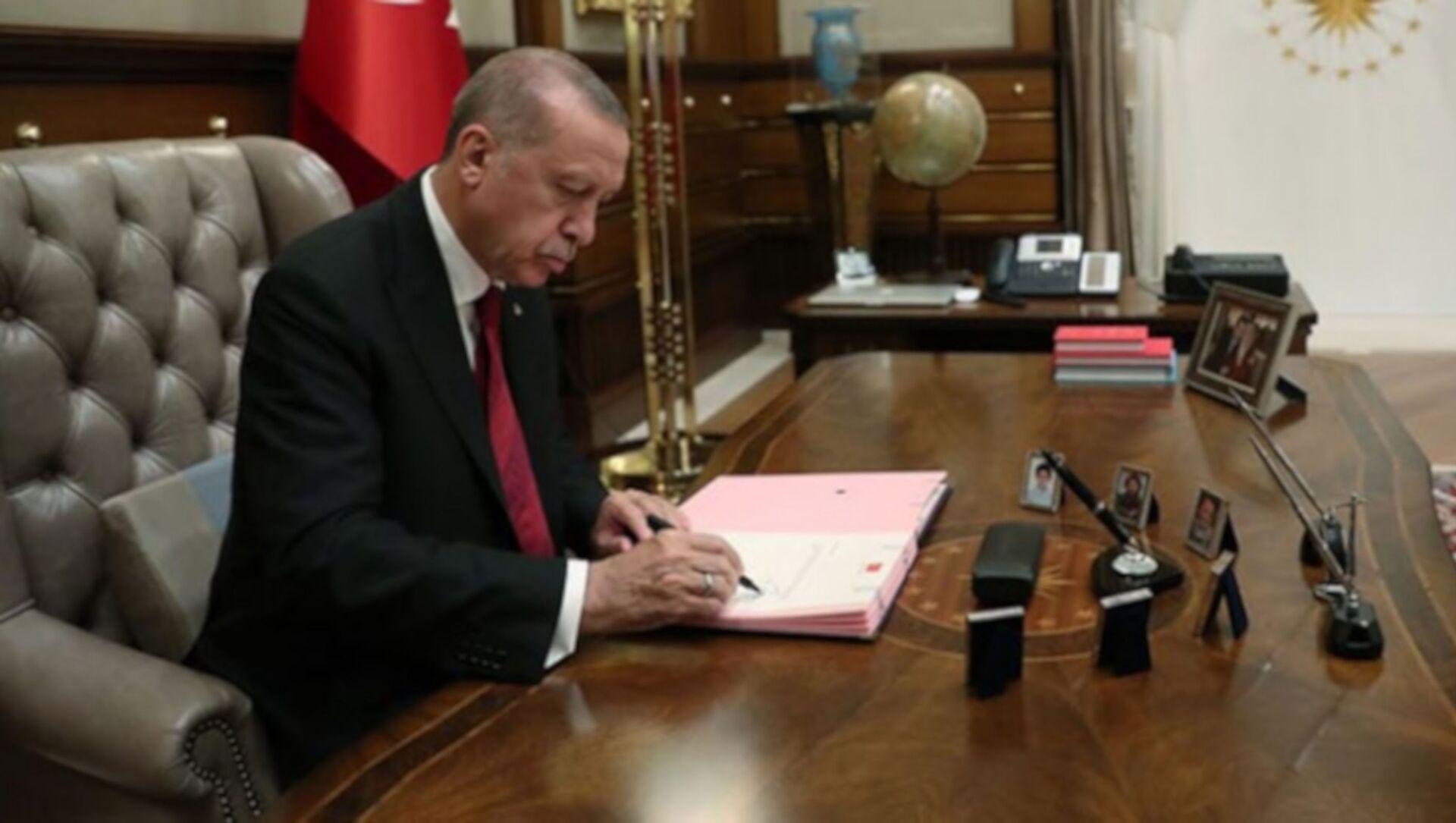 Cumhurbaşkanı Erdoğan, imza, atama - Sputnik Türkiye, 1920, 05.08.2021