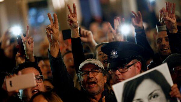 Araştırmacı gazeteci Galizia'ya yönelik suikast için Malta'da düzenlenen protestolar   - Sputnik Türkiye