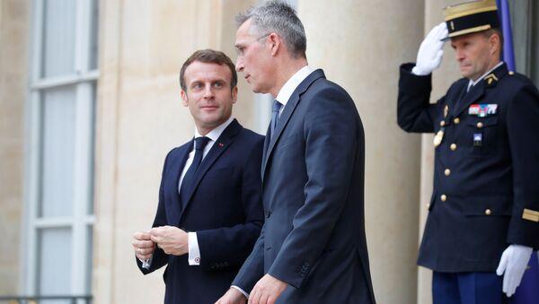 NATO Genel Sekreteri Stoltenberg, Paris'e giderek, 'ittifakın beyin ölümü' açıklaması için Fransa Cumhurbaşkanı Macron'dan açıklama talep etti. - Sputnik Türkiye