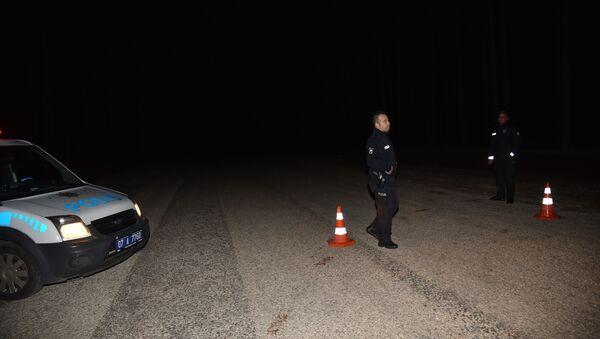 Eski CHP Gençlik Kolları Başkanı aracının yanında ölü bulundu - Sputnik Türkiye