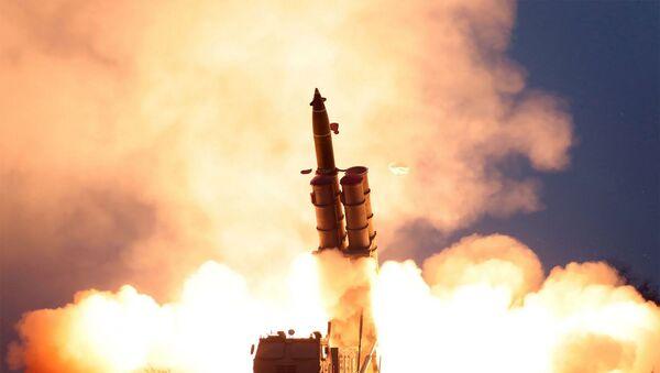 Kuzey Kore -  yeni füze denemesi  - Sputnik Türkiye