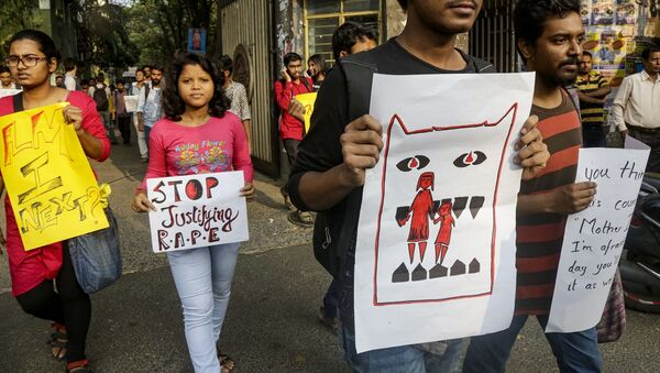 Hindistan'da toplu tecavüz ve cinayet karşıtı gösteriler sürüyor - Sputnik Türkiye