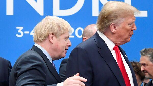 İngiltere Başbakanı Boris Johnson- ABD Başkanı Donald Trump - Sputnik Türkiye