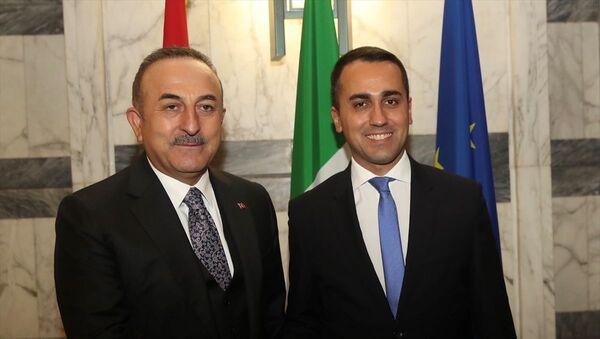 Dışişleri Bakanı Mevlüt Çavuşoğlu, Roma'da, İtalya Dışişleri Bakanı Luigi Di Maio ile bir araya geldi. - Sputnik Türkiye