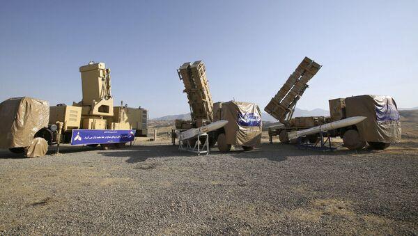 İran'ın 15 Hordad hava savunma sistemi, savaş uçakları ve İHA'ları 150 km mesafeden tespit edip 120 km menziline girdiğinde vurabiliyor. - Sputnik Türkiye