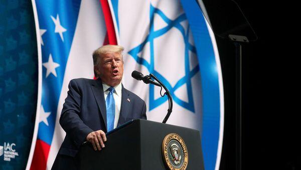 Donald Trump, Florida'daki İsrail Amerikan Koseyi Ulusal Zirvesi'nde konuşurken - Sputnik Türkiye