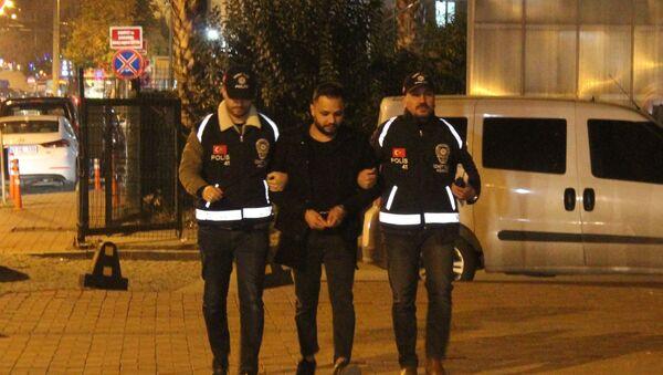 Cezaevinden firar ettikten sonra 13 suça daha karışan şahıs yakalandı - Sputnik Türkiye