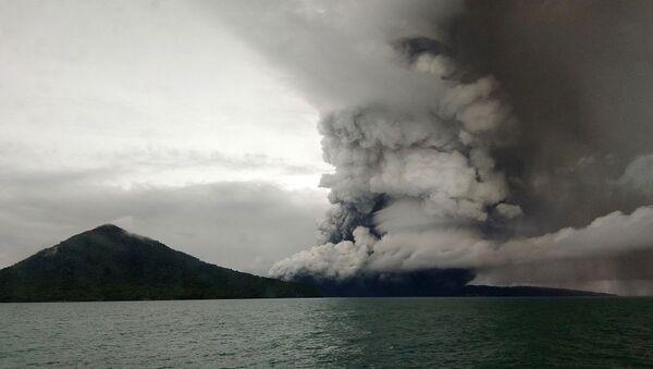 Endonezya Anak Krakatoa - Sputnik Türkiye
