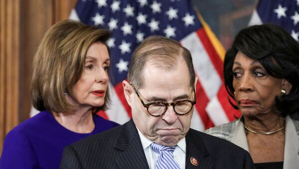 House Judiciary Chairman Jerrold Nadler (D-NY) stands with U.S. House Speaker Nancy Pelosi (D-CA),  House Financial Services Chairwoman Maxine Waters (D-CA) and other House committee chairs at a news conference to announce articles of impeachment against U.S. President Donald Trump on Capitol Hill in Washington, U.S., December 10, 2019. REUTERS/Jonathan Ernst - Sputnik Türkiye