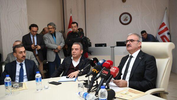 Antalya Valisi Münir Karaoğlu - Sputnik Türkiye