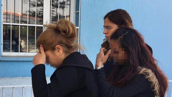 Hırsızlık şüphelileri minibüs beklerken yakalandı - Sputnik Türkiye