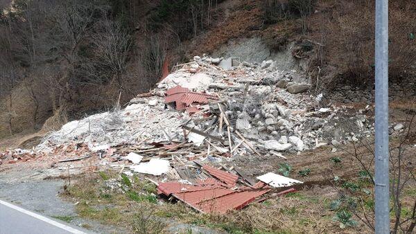 Uzungöl'de 65 kaçak binadan 14'ünün yıkımı tamamlandı - Sputnik Türkiye