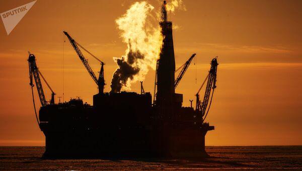 Rus deniz petrol platformu - Sputnik Türkiye
