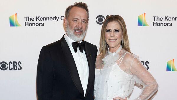 Tom Hanks ile eşi Rita Wilson - Sputnik Türkiye