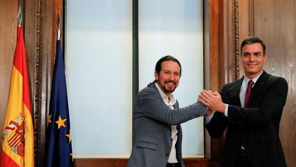 PSOE lideri ve geçici Başbakan Pedro Sanchez ile Unidas Podemos lideri Pablo İglesias - Sputnik Türkiye
