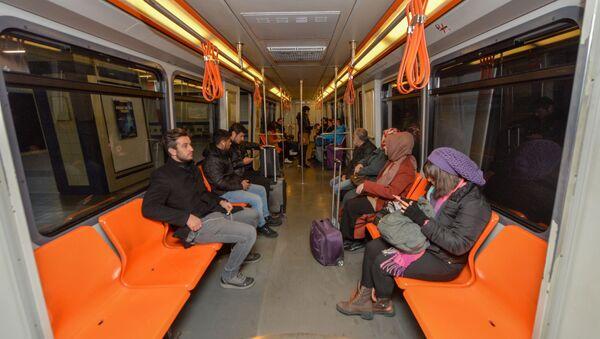 Ankara'da ulaşım hizmetleri veren EGO Genel Müdürlüğü, düzenlediği anket çalışmasıyla ANKARAY koltuklarının yeni tasarımını vatandaşlara soruyor.  - Sputnik Türkiye