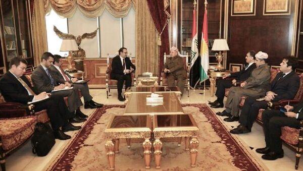 ABD Dışişleri Bakanı'nın Yakın Doğu İşlerinden Sorumlu Yardımcısı David Schenker, eski IKBY Başkanı Mesud Barzani ile görüştü. - Sputnik Türkiye