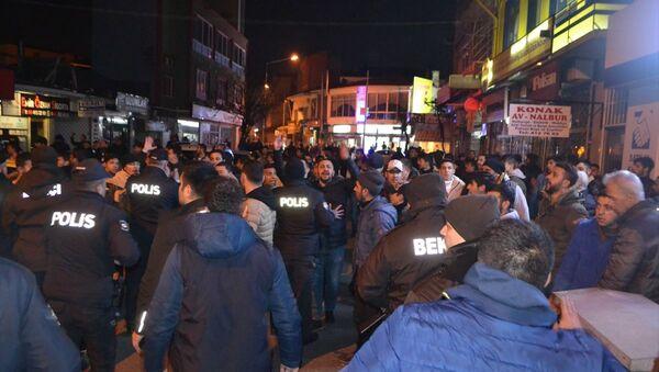 Kırklareli'nin Lüleburgaz ilçesinde çıkan silahlı kavgada biri polis memuru 2 kişi yaralandı - Sputnik Türkiye
