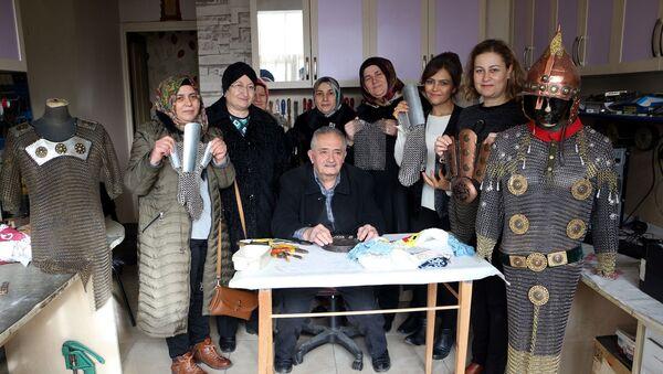 Kadına şiddete tepki için çeyizlik zırh - Sputnik Türkiye