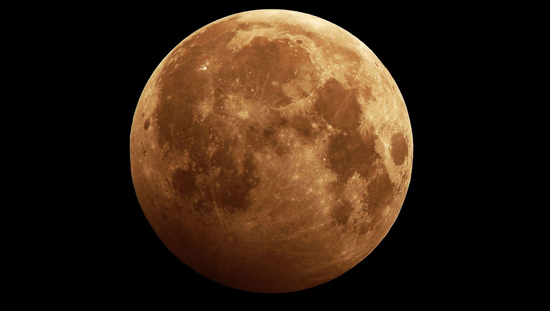 2020 yılının ilk dolunayı ve Ay tutulması - Sputnik Türkiye, 1920, 28.04.2021