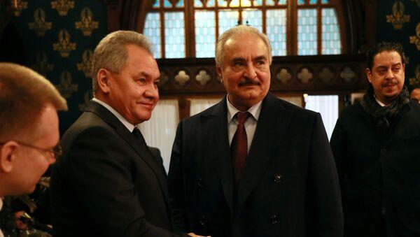 Libya Ulusal Ordusu Komutanı General Halife Hafter ve Rusya Savunma Bakanı Sergey Şoygu   - Sputnik Türkiye