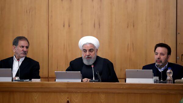 İran Cumhurbaşkanı Hasan Ruhani-kabine toplantısı - Sputnik Türkiye