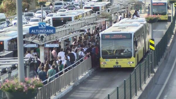 Altunizade metrobüs - Sputnik Türkiye