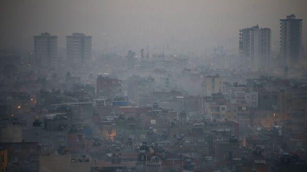 Adana'da hava kirliliği yaşamı olumsuz etkiledi - Sputnik Türkiye