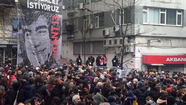 Hrant Dink ölümünün 13. yılında anıldı - Sputnik Türkiye