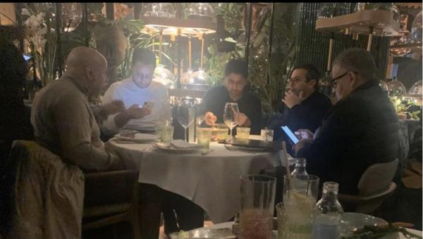 Dünya tarihinin en pahalı iki transferini (Mbappe, Neymar) gerçekleştiren ve Leeds United'ı satın almak istediği bilinen Katarlı iş adamı Nasser el Khelaifi'nin yapacağı yeni yatırımlar merakla beklenirken ortaya çıkan yeni görüntüler çok konuşuldu. - Sputnik Türkiye