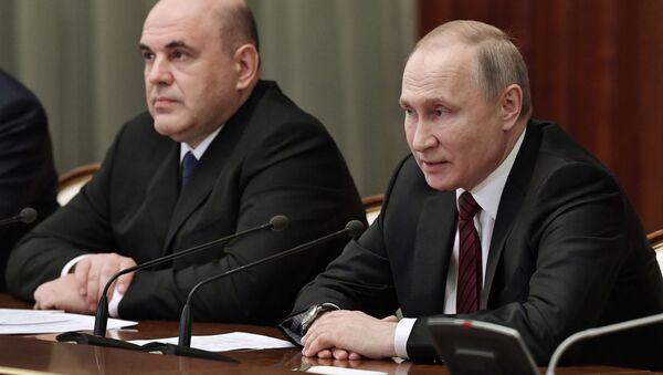 Rusya Devlet Başkanı Vladimir Putin - Rusya Başbakanı Mihail Mişustin - Sputnik Türkiye
