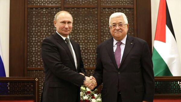 Filistin Devlet Başkanı Mahmud Abbas, Batı Şeria'nın Beytüllahim kentine gelen Rusya Devlet Başkanı VladimirPutin ile Başkanlık Sarayı'nda bir araya geldi. - Sputnik Türkiye
