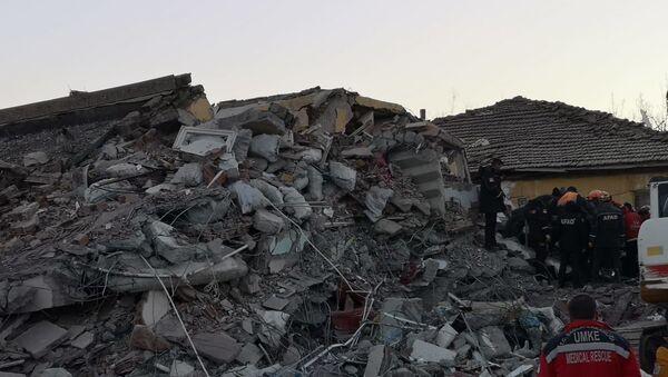 Elazığ'da 6.8 büyüklüğünde deprem - Sputnik Türkiye