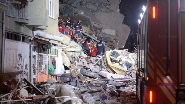 Elazığ'ın Sivrice ilçesi merkezli 6,8 büyüklüğündeki deprem - Sputnik Türkiye