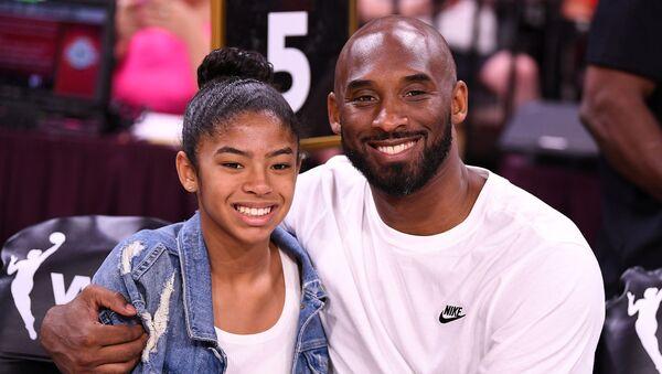 Kobe Bryant ve kızı Gianna  - Sputnik Türkiye