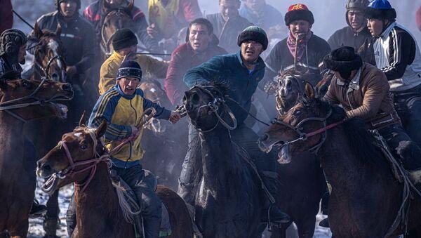 Kırgızistan'da kök börü yarışması - Sputnik Türkiye