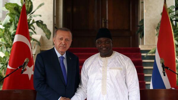 Türkiye Cumhurbaşkanı Recep Tayyip Erdoğan ve Gambiya Cumhurbaşkanı Adama Barrow - Sputnik Türkiye