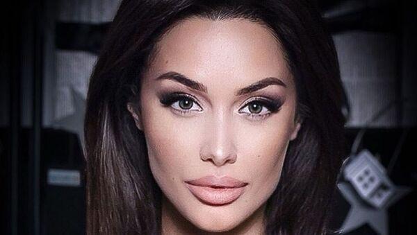 Angelina Jolie'nin Rus benzeri Tsarahova - Sputnik Türkiye