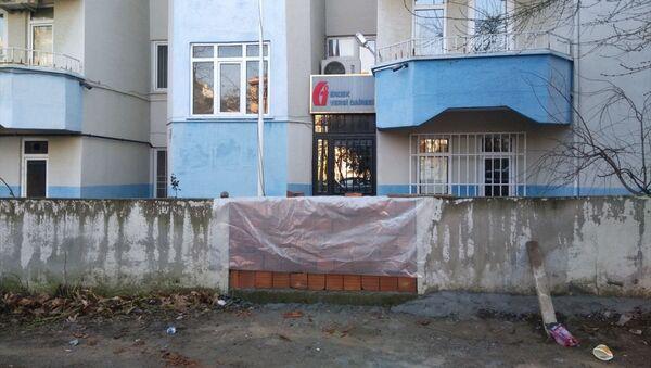 Erdek Belediye Başkanı Hüseyin Sarı'dan makam aracının haciz nedeniyle bağlanmasına tepki  - Sputnik Türkiye
