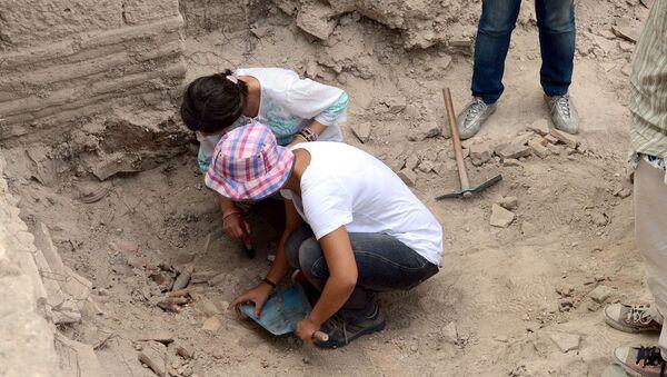 Bathonea Antik Liman yerleşimi kazıları - Sputnik Türkiye