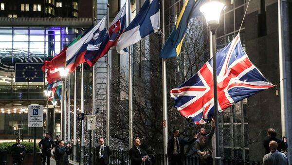 İngiltere bayrakları, Brüksel'deki AB kurumlarından indirildi - Sputnik Türkiye