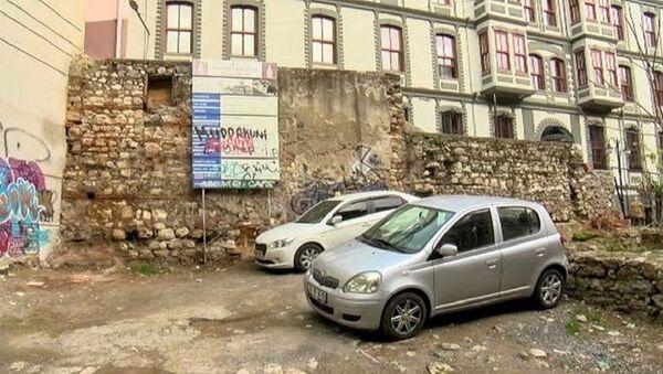 Otoparka dönen tarihi mekan - Sputnik Türkiye