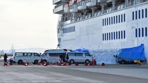 Japonya'da koronavirüs şüphesiyle karantinaya alınan cruise gemisi - Sputnik Türkiye