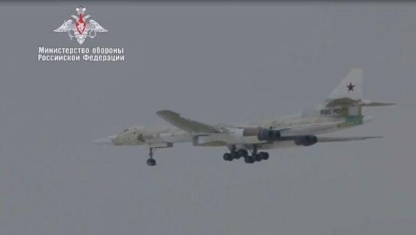 Rusya Savunma Bakanlığı Tu-160M'in ilk uçuşunun videosunu yayınladı - Sputnik Türkiye