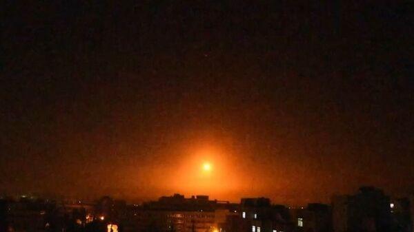 İsrail'in Suriye'ye saldırısı böyle görüntülendi - Sputnik Türkiye