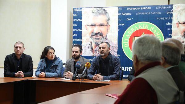 Yazar, gazeteci ve akademisyenlerden Selçuk Mızraklı için ortak bildiri - Sputnik Türkiye