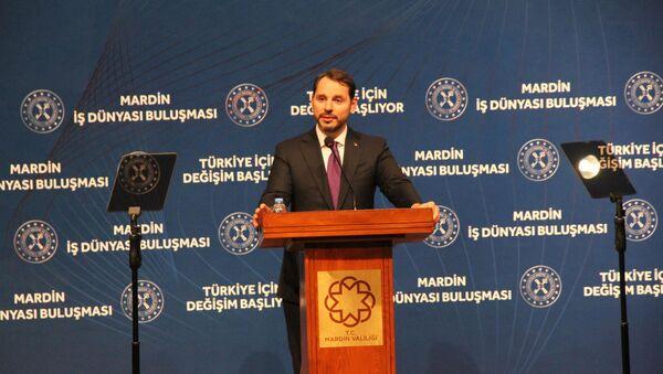 Hazine ve Maliye Bakanı Berat Albayrak, Mardin Atatürk Kültür Merkezi'nde düzenlenen Mardin İş Dünyası ile Buluşma programında konuştu. - Sputnik Türkiye