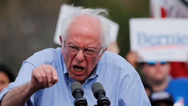 2020 ABD başkanlık seçiminin Demokrat Partili aday adayı Senatör Bernie Sanders, Kaliforniya'da miting turunda - Sputnik Türkiye
